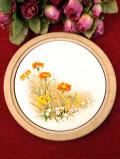 <英国ビンテージ>英国の野の花たち♪カントリーな空気があたたかな丸いタイルの鍋敷き