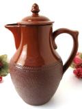 1930年代:素朴な味わいがカントリー♪きれいな茶色の英国ストーンウェアの大きなコーヒーポット