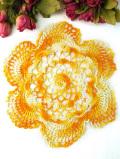 <英国ハンドメイド>オレンジと黄色とクリーム色のお花♪英国ビンテージのレースドイリー
