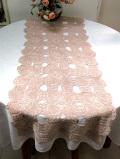 <英国ハンドメイド>ベージュ色のレースがきれいな大きなテーブルランナー