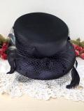 <英国ビンテージHAT:デッドストック(未使用品)>優雅な黒い羽根とレース♪ヴィクトリアン貴婦人のような黒いお帽子