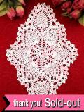 <英国ハンドメイド>淡いピンクと白のお花♪英国ビンテージの珍しいデザインのレースドイリー
