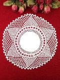 <英国ハンドメイド>繊細なヘアピンレースが優雅♪大輪のお花のようなアンティークリネンのレースドイリー