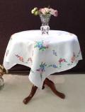 <英国ハンドメイド>たくさんのお花たちのアンティークリネン♪華やかな英国の大きなテーブルクロス