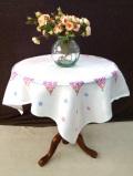 <英国ハンドメイド>優しいコットンクロス♪可憐な野の花たちのとても大きなテーブルクロス