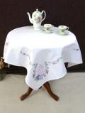 <英国ハンドメイド>愛らしいお花たちのアンティークリネン♪手刺しゅうの大きなテーブルクロス