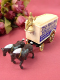 <英国ビンテージ:デッドストック>ダイキャスト製♪英国のクラシカルな2頭立ての大きめ馬車「お箱入り」