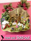 <Lilliput Lane>「THE GOLDEN JUBILEE」♪エリザベス女王の即位50周年を祝う人たちのとても大きなコテージフィギュア「お箱とサイン入り証明書付」