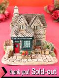 <Lilliput Lane>「VILLAGE SHOPS」♪村の小さなファームショップの英国カントリーコテージのフィギュア「お箱付」