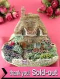 <Lilliput Lane>「GERTRUDES GARDEN」♪女性初のガーデンデザイナーのガートルード・ジキルさんのお庭の大きなコテージフィギュア