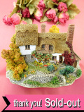 <Lilliput Lane>「ORCHARD FARM COTTAGE」♪茅葺きの屋根と大きなりんごの木♪ファームコテージのとても大きなフィギュア「お箱&証明書&パンフ付」