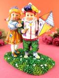<クリサリスコレクション限定品>「Christine Haworth:WINDY DAY」凧あげを楽しむ男の子と女の子のフィギュア