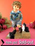 <クリサリスコレクション>「Christine Haworth:IN TROUBLE AGAIN」2匹の子猫とやんちゃな男の子のフィギュア