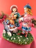 <クリサリスコレクション>「Christine Haworth:THE OLD PRAM」古い乳母車とテディベアとウサギさんのぬいぐるみを抱いた二人の女の子の大きなフィギュア