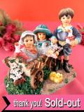 <クリサリスコレクション>「Christine Haworth:CARTING COMPANIONS」荷車に乗った二人の女の子とアヒルを抱いた男の子の大きなフィギュア