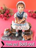 <クリサリスコレクション限定品>「Christine Haworth:THE MISCHIEF MAKERS」3匹のいたずら子猫と可愛い女の子のフィギュア