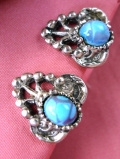<英国コスチュームジュエリー>マーブルの輝きのヨーロピアンガラス♪シルバーメタル透かし模様のイヤリング
