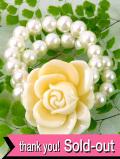 <英国コスチュームジュエリー>立体的な大きなバラのお花♪フェイクパールもきれいなブレスレッド