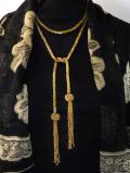<英国ビンテージ>金色に光るビーズ♪個性的で優雅なデザインの全長120cmの超ロングネックレス