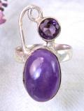 <英国スターリングシルバー>輝く紫色の大粒の2つのアメジスト♪銀細工が美しいアートフルなリング「12号」