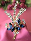 <英国コスチュームジュエリー>1950年代:青い3匹の蝶々たち♪とクリスタルが輝く美しいお花のブローチ