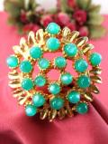 <英国コスチュームジェリー>1950年代:輝くペパーミントグリーンのヨーロピアンガラス♪大輪のお花の金色のブローチ