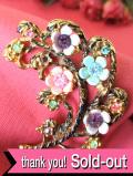 1930年代:英国ハンドクラフト♪たくさんのお花たちが咲いた透かし細工のブローチ
