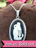 <ウェッジウッド:英国スターリングシルバー>頬杖をつく女神様の貴重なブラックジャスパーのネックレス「パンフレット付」