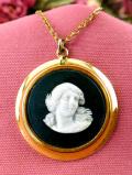 <ウェッジウッド>女神様の優しい微笑み♪ゴールドプレートも豪華なブラックジャスパーの貴重なネックレス