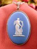 <英国スターリングシルバー:ウェッジウッド>優雅な女神様のレリーフ♪上品なブルージャスパーの楕円形の大きなネックレス