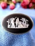 <ウェッジウッド:スターリングシルバー>3人の女神様の貴重なブラックジャスパーの大きなブローチ