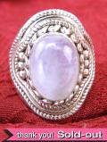 <英国スターリングシルバー>純銀とムーンストーン♪細かな銀細工と青い輝きが美しい英国のリング「15号」
