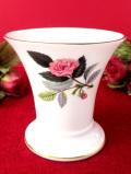 <廃盤レア♪ウェッジウッド>1959年:「HATHAWAY ROSE(ハザウェイローズ)」のピンクのバラの小ぶりなフラワーベース