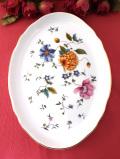 <廃盤レア♪ウェッジウッド>「ROSEMEADE」♪全長24cmイングリッシュガーデンのお花たちの楕円形のお皿「水色のスタンド付」