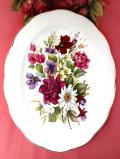 <PYRAMID POTTERY>華やかな英国のお花たち♪素晴らしい絵画のような特別大きな楕円形の絵皿「プレートハンガー付」