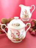 <ロイヤル・アルバート>「For All Seasons」♪ピンクの野の花たちが可憐な大きなミルクジャグ&シュガーボウル