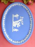 <ウェッジウッド>女神様と天使たち♪ブルージャスパーの楕円形の大きな飾り皿「スタンド付」