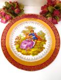 <フランス製:LIMOGES>憧れのリモージュ♪ガーデンで語り合う恋人たちの豪華な金彩のとても大きな絵皿「プレートハンガー付き」