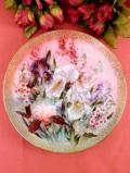 <W.S.George:限定品>「iris Quartet」♪たっぷりとした金彩のアイリスたちが美しい絵皿「プレートハンガー付」