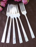 <英国銀器>1940年代:愛らしいお花の銀細工♪シルバープレートのテーブルフォーク「6本セット」