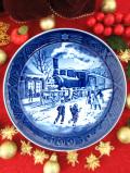 <デンマーク:ROYAL COPENHAGEN>「CHIRISTMAS GUESTS」上品なブルー&ホワイトのクリスマス・プレート「1993年」