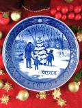 <デンマーク:ROYAL COPENHAGEN>「CHOOSING THE CHRISTMAS TREE」上品なブルー&ホワイトのクリスマス・プレート「1979年」