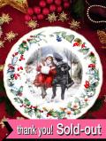 <英国流クリスマス>「ウェッジウッド限定品:THE VICTORIA & ALBERT MUSEUM」子供たちのクリスマス・プレート「プレートスタンド付」