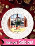 <英国流クリスマス>「コールポート限定品」1989年「A Glimpse of Paradise」窓からクリスマスツリーを見ている男の子のクリスマス・プレート「専用パンフ&ミニパンフ&プレートハンガー付」