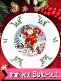 <英国流クリスマス>「1982年:ロイヤル・ドルトン」♪美しい雪原の森で自転車に乗ってやってくるサンタクロースのクリスマス・プレート「プレートスタンド付」