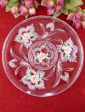 <英国ビンテージ>1950年代:立体的なガラス細工とピンク色のお花♪アンティークガラスのとても大きなお皿
