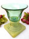 1930年代:開きかけたお花のよう♪緑ガラスが美しいアートフルで大きなフラワーベース