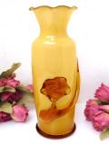 <英国ビンテージ>ぽったりとしたマスタードカラーのガラス♪ガラス細工のお花が美しいアートフルなフラワーベース