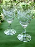1940年代:グラヴィール装飾のリーフたち♪透明なアンティークガラスがきれいなリキュールグラス「2点セット」