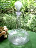 1920年代:お花たちのガラス細工♪優雅な光のカットが美しい英国アンティークガラスの大きなデカンタ